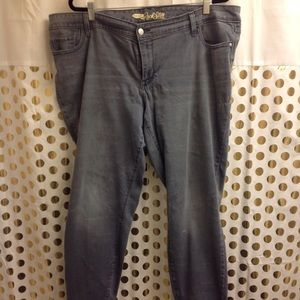 Old Navy Rockstar Mid rise Jeans 22 Plus size EUC